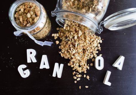 frau janik knuspermüsli granola