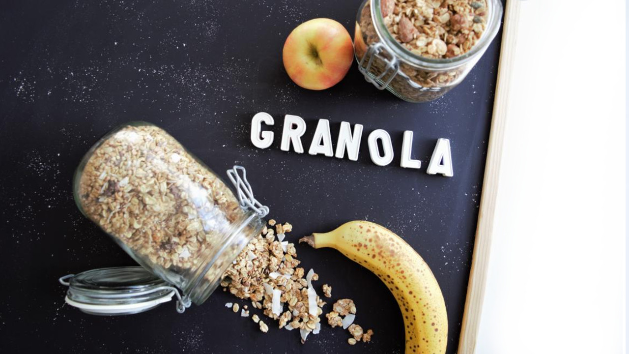 granola knusperm sli selber machen grundrezept 2 rezeptideen frau janik. Black Bedroom Furniture Sets. Home Design Ideas