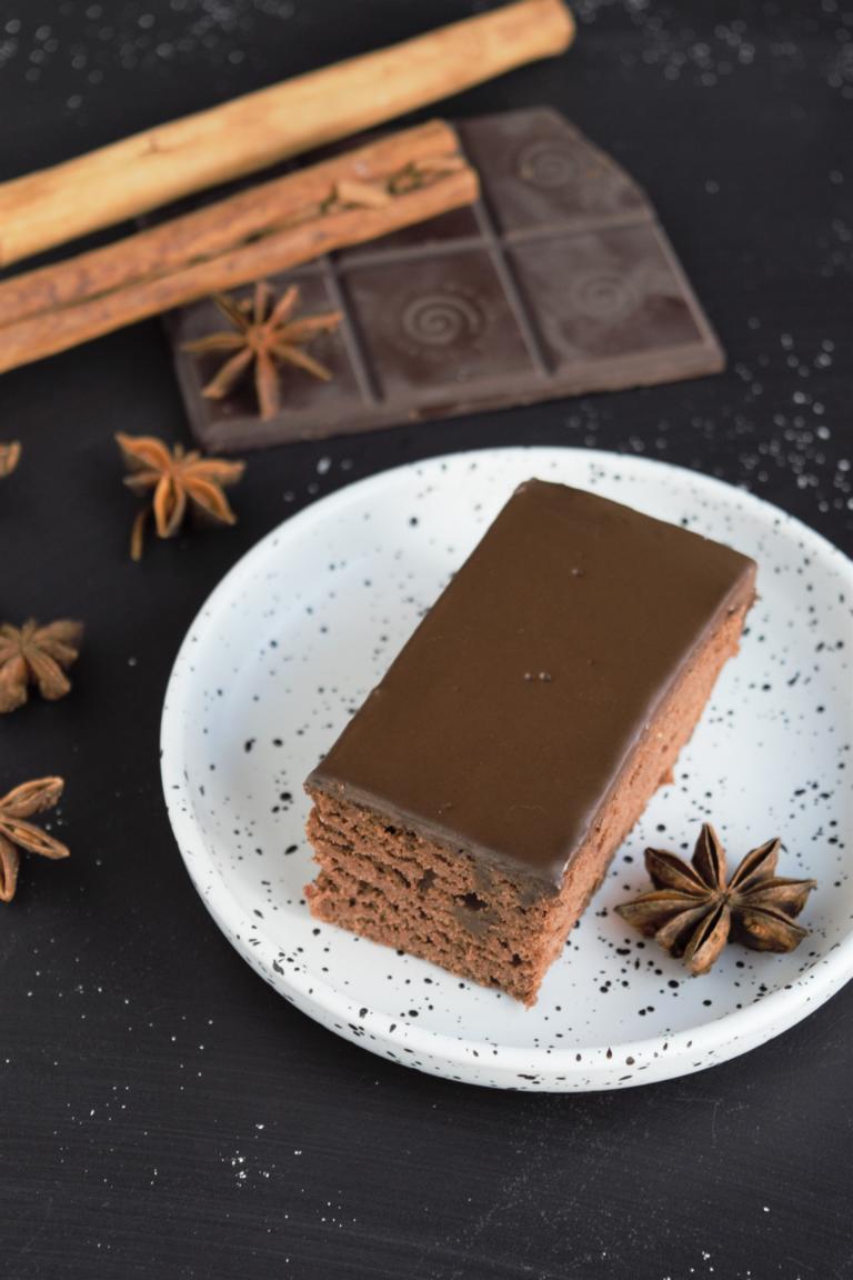 gesunde, vegane Lebkuchenschnitten mit Schokoladenganache mit Kokosmilch Frau Janik