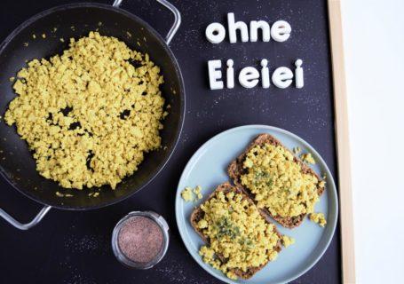 veganes Rührei mit Tofu und kala namak, fraujanik