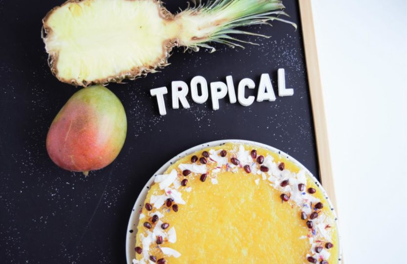 Tropical Torte vegan, biskuit vegan, kokoscreme, seidentofutorte, ananastorte, mangotorte, fraujanik, fruchttorte