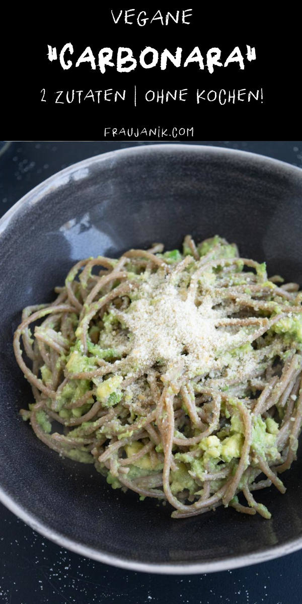 vegane Avocado Carbonara | 2 Zutaten, kala namak, veganes ei, avocadoei, vegane pasta, frau janik