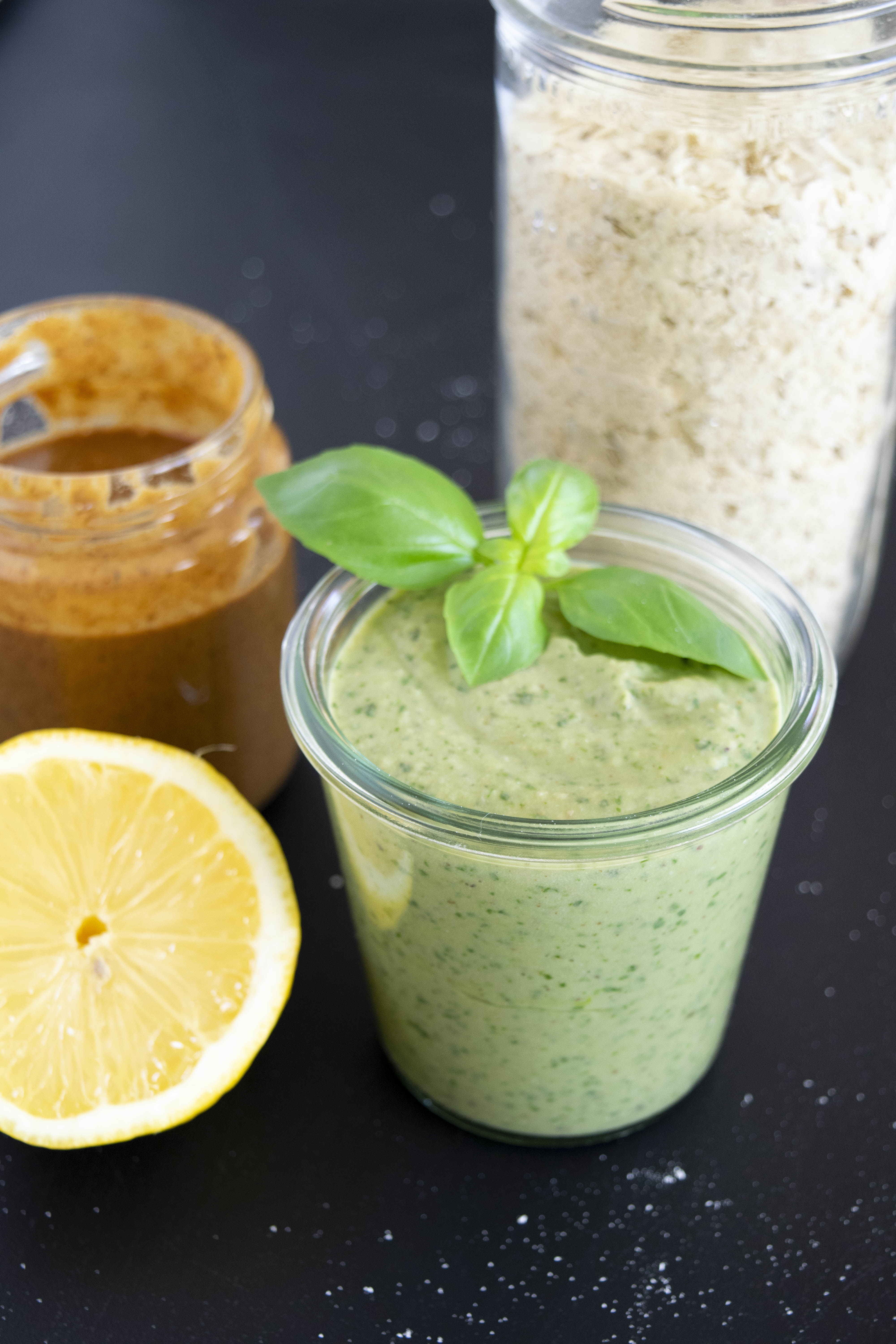 Pesto ohne Öl, vegan, proteinreich, gesund, ballaststoffreich, fraujanik, Blogger, Basel, Foodblog, wenige Zutaten, aus weissen Bohnen, schnell und einfach